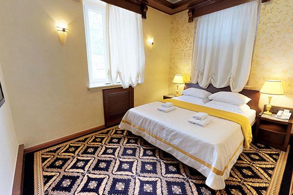 cattaro-hotel-deluxe-suite-001