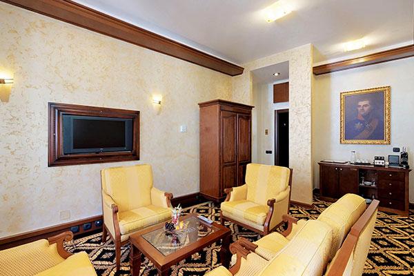 cattaro-hotel-deluxe-suite-004